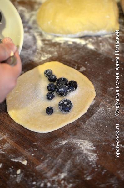 Бабушкины пирожки с голубикой