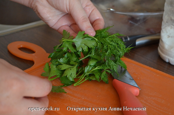 Борщ из молодых овощей
