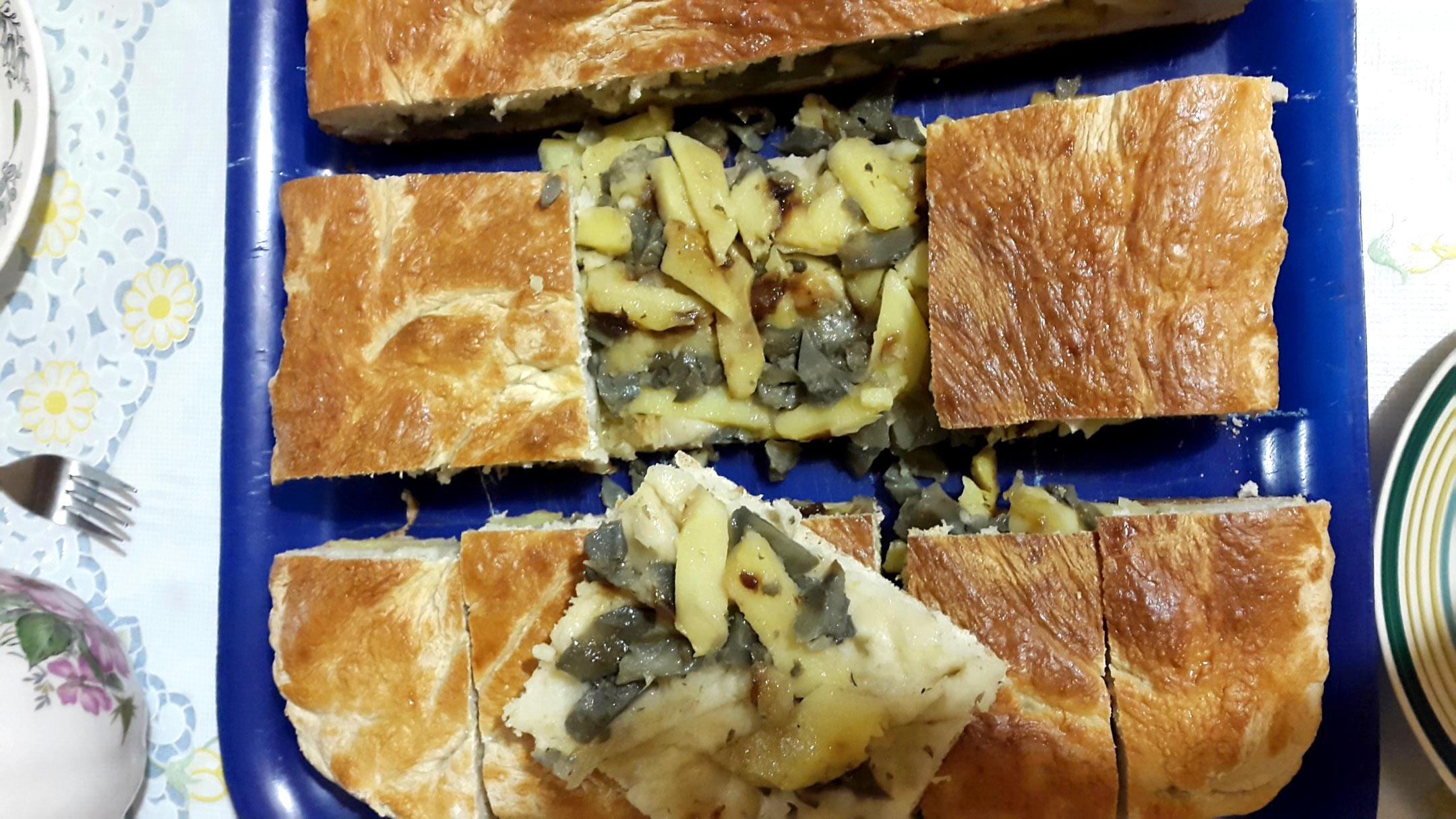Пирог с солеными груздями в духовке пошаговый рецепт
